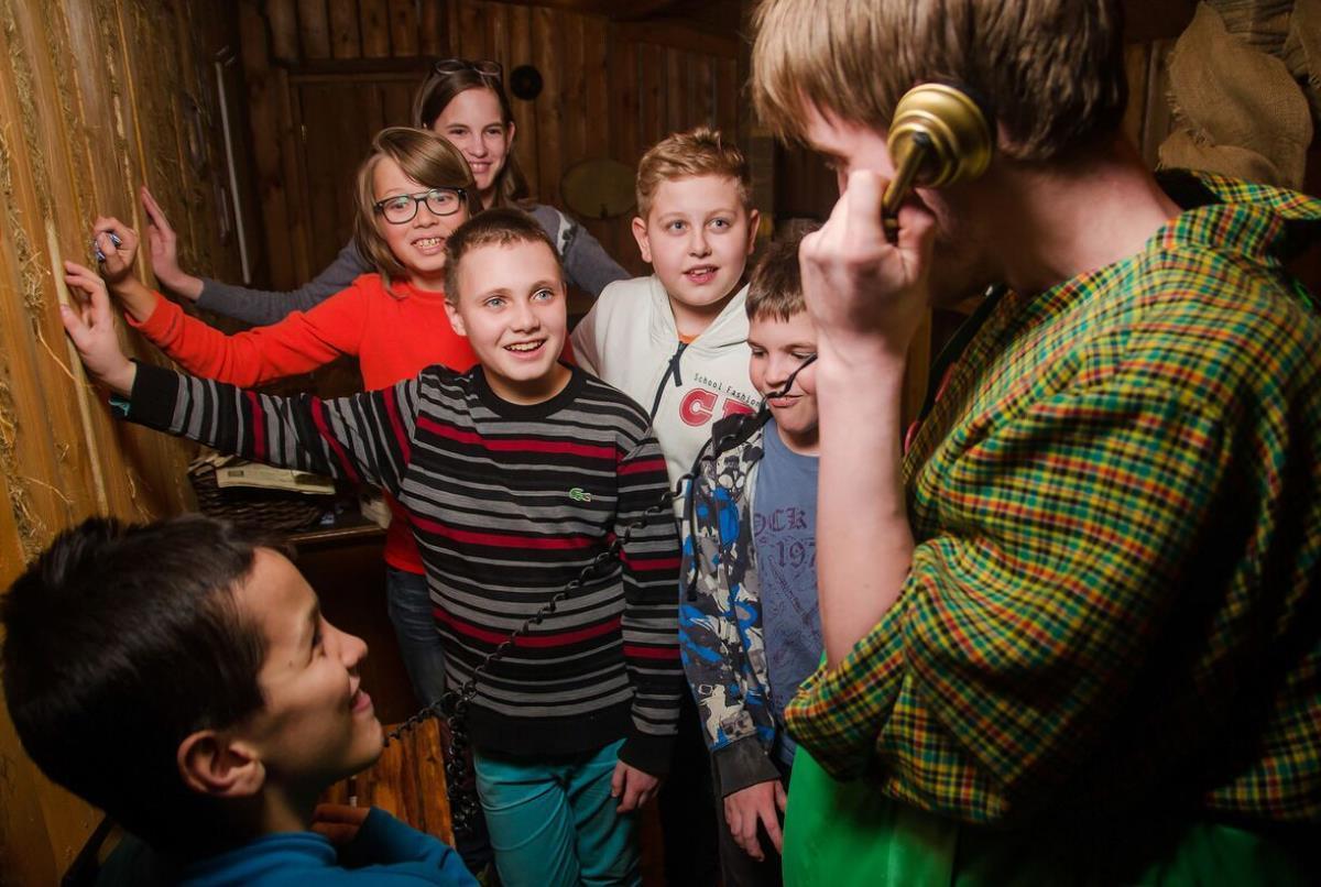 Квест в помещении с актерами для детей «Крыша Карлсона» в Москве